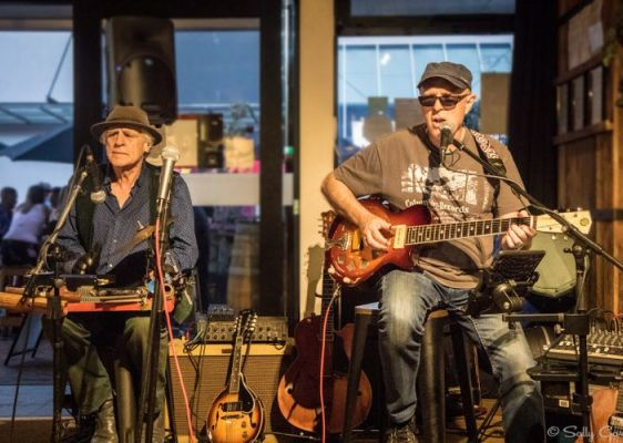 Barrel Room Blues with Mike Garner & Robbie Laven